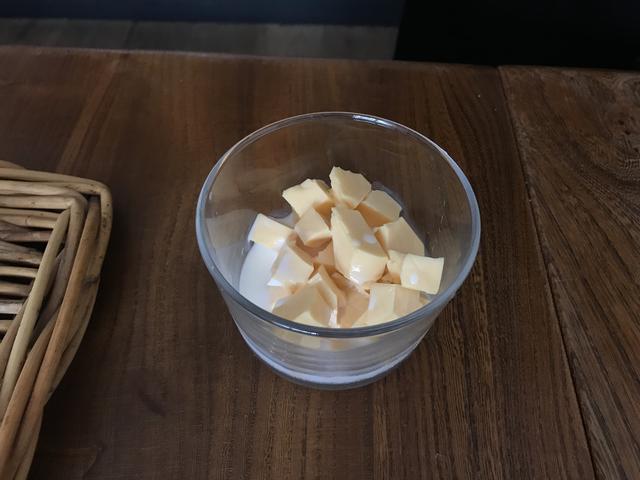 画像2: ウズラの水煮 スモークチーズディップ添え