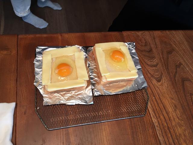 画像3: 目玉焼きチーズトースト