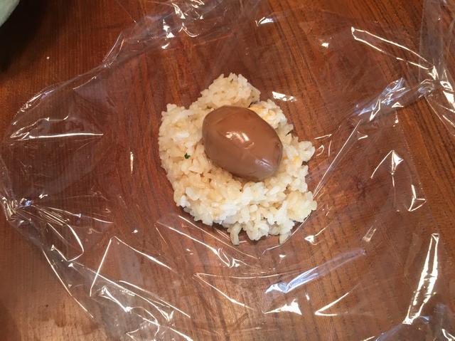 画像3: 煮玉子入り 爆弾チーズおにぎり