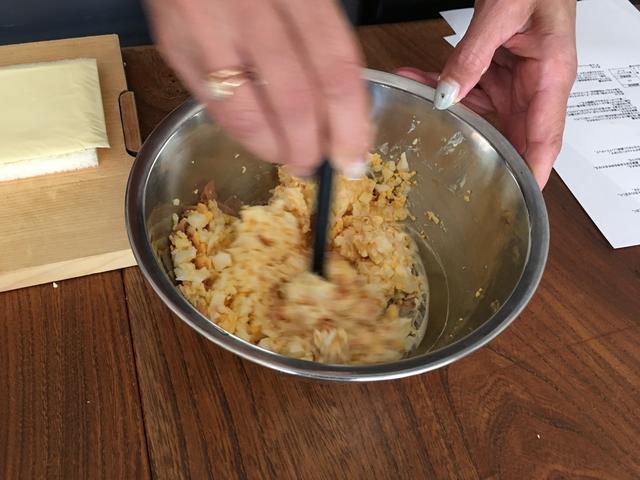 画像3: かつおぶし卵サラダとチーズのサンド