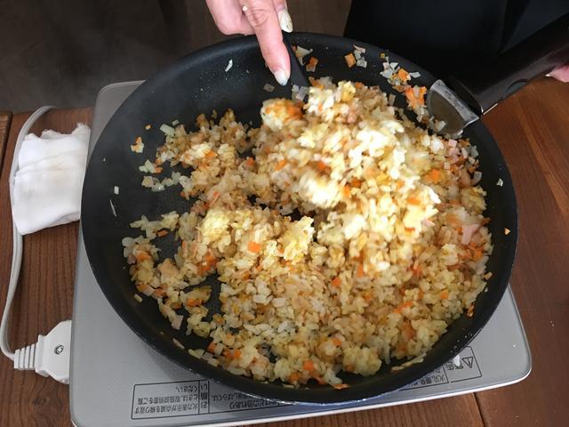 画像7: カツオ節カレーピラフのチーズかけ