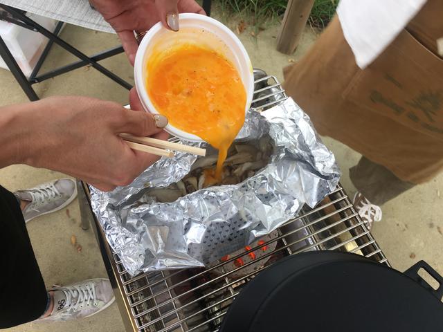 画像5: きのことチーズのオムレツ