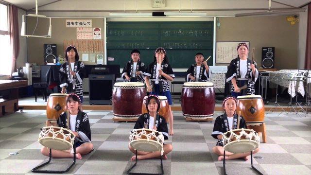 画像: 第7回 小さな音楽会「境原太鼓」 www.youtube.com