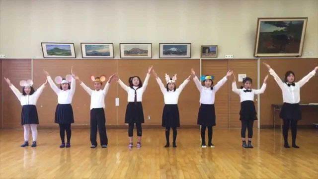 画像: 小さな音楽会「かとうじ山こども合唱隊」 ※水分小学校7名・桜台小学校1名 www.youtube.com