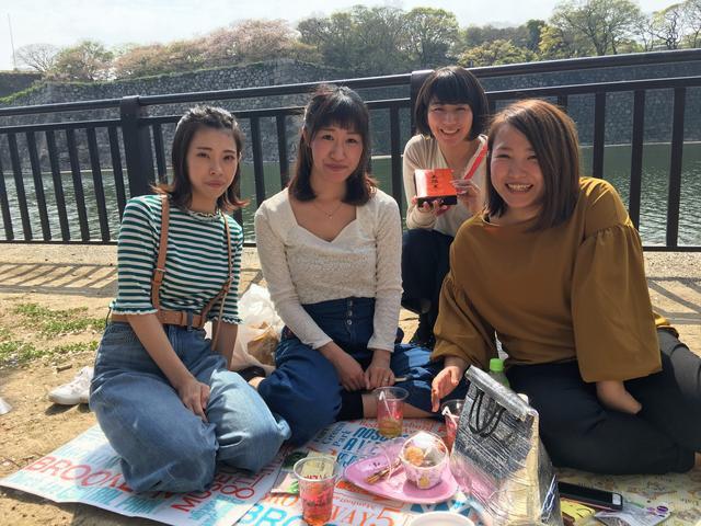 画像: 出会ったのは、小学校からの幼なじみという仲良し女性3人組