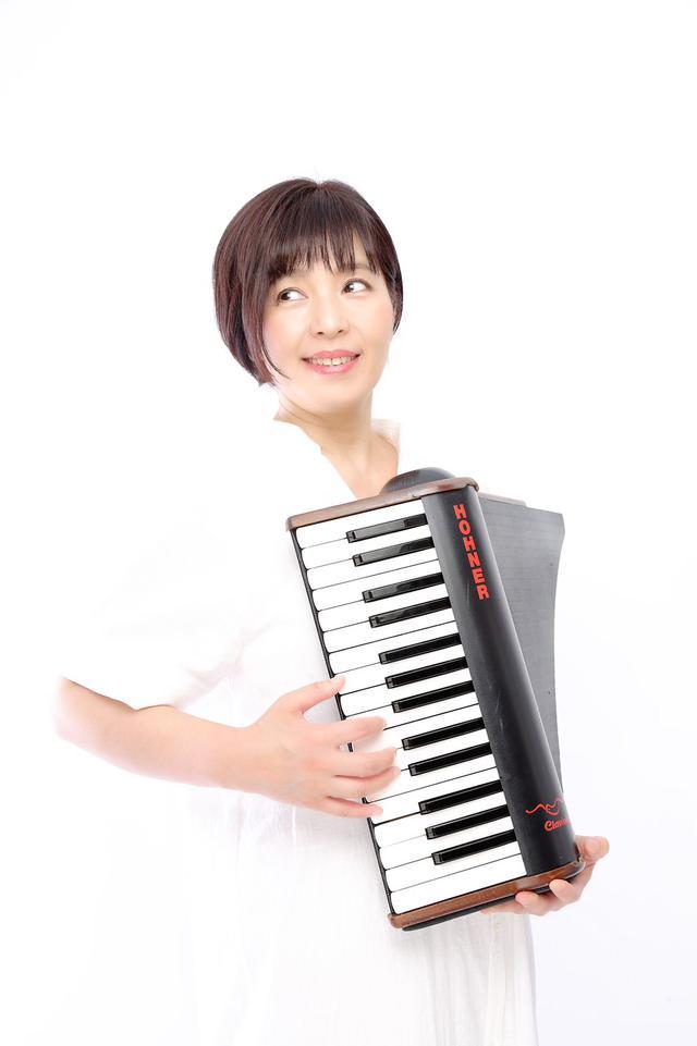 画像: 7/10 ピアニスト/クラビオーラ奏者の折重由美子さんが登場!