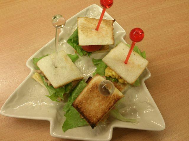 画像: ☆今日のおつまみは、『お手軽!ピンチョスパーティー♪ミニバーガー!!』☆
