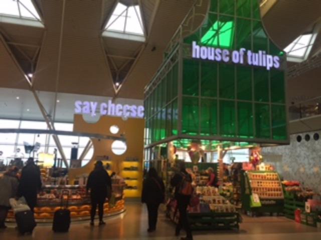 画像: チーズのお店とチューリップのお店