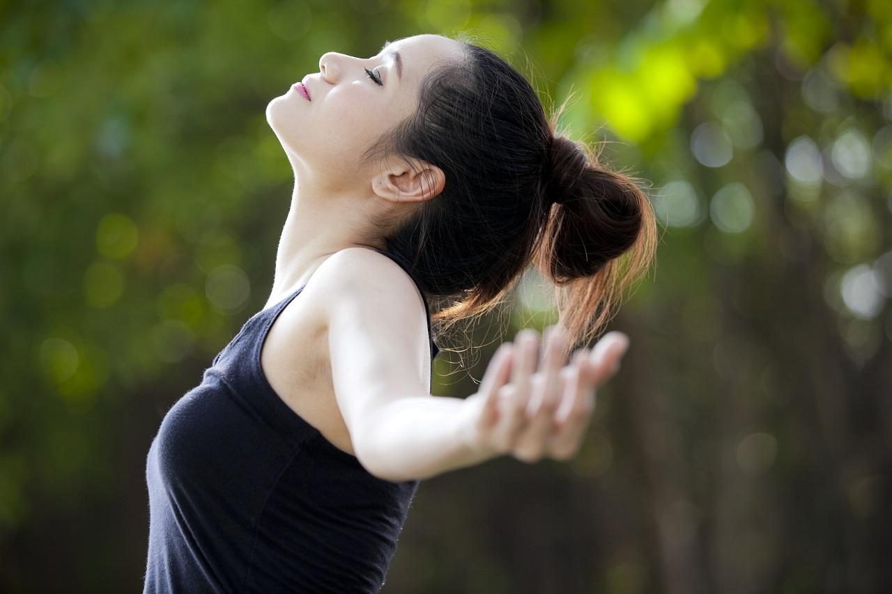 画像: リンパ呼吸のやり方