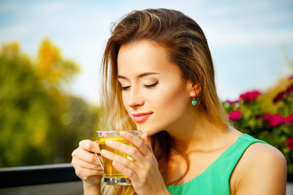 画像: 抗酸化成分を含む緑茶を習慣に