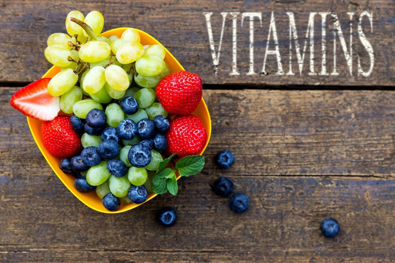 画像: ① ビタミンを摂取する