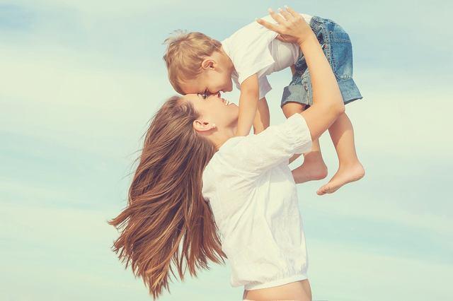 画像: ① 彼女ではなく「お母さん」になっている女性