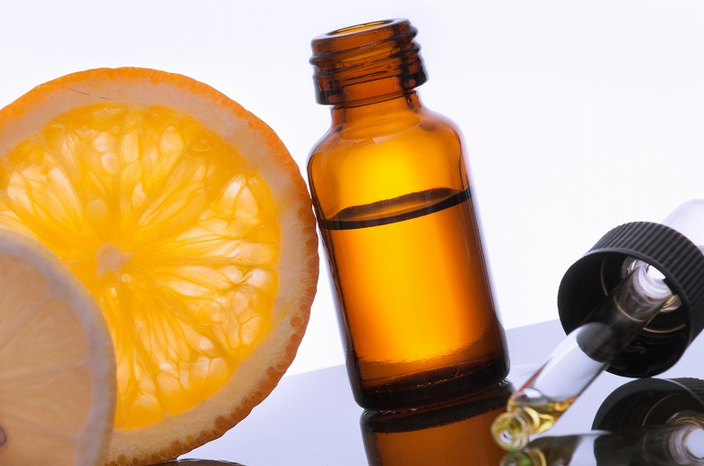 画像: ホルモン作用のある精油でシワを改善!