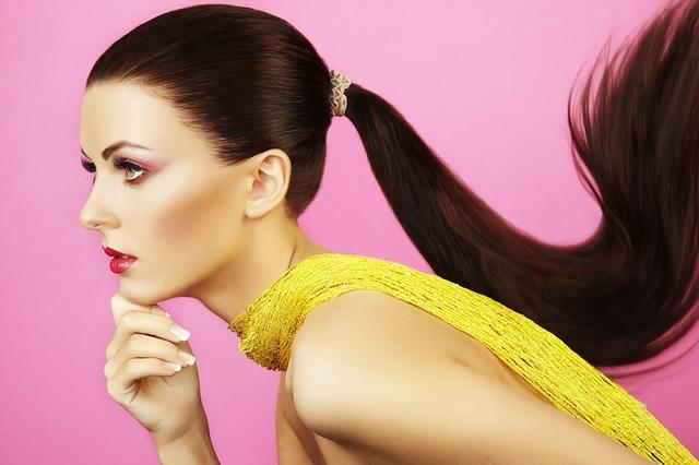 画像: 強くハリ・ツヤのある美しい髪の毛を導く栄養成分 - Curebo(キュレボ)|毎日を輝かせたい女性のためのニュースメディア