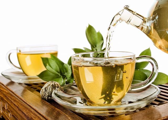 画像: ①メラニンの生成を抑える!「緑茶洗顔」