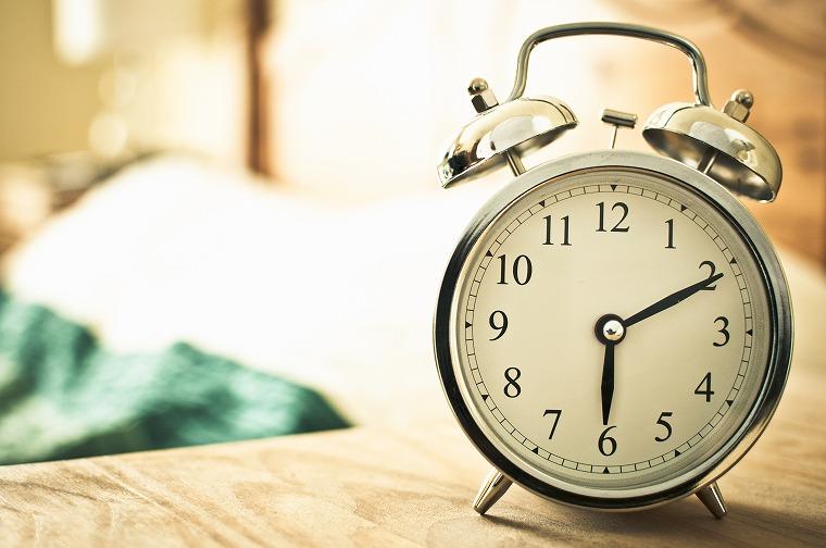 画像: 最適な睡眠時間は6〜8時間と心得るべし