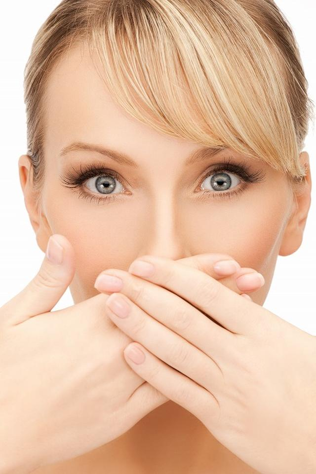 画像: 口臭の原因は「舌苔(ぜったい)」