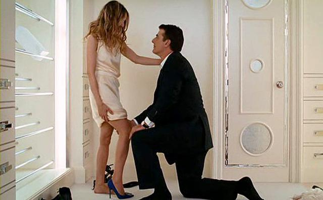 画像: http://www.ew.com/gallery/movies-tv-proposals/2525603_carrie-bradshaw-and-mr-big-sex-and-city-movie