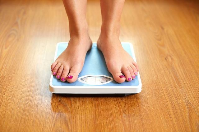画像: 便秘で体重が増える事がある!