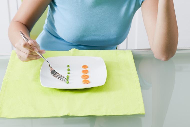 画像: ④ 空腹を我慢すると…、脂肪が燃えにくくなるから