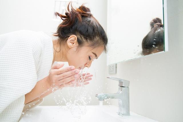 画像: 古い角質や肌の汚れを落とす洗顔法