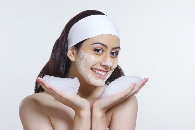 画像: ピーリング洗顔ってどうやるの?