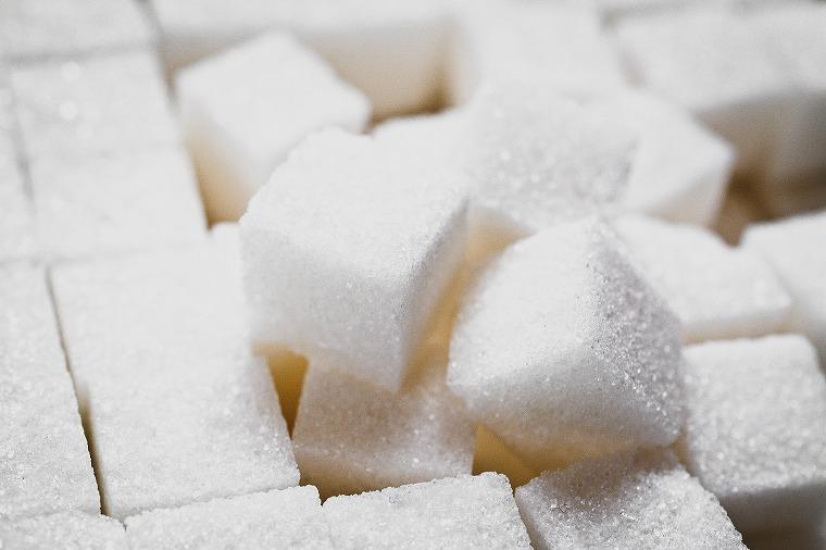 画像: 【シミ取りを邪魔する食品①】白砂糖 - Curebo(キュレボ) 毎日を輝かせたい女性のためのニュースメディア