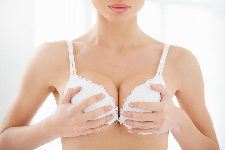 画像: 痩せても胸はそのままに!ダイエット中にも効果的なバストマッサージ - Curebo(キュレボ) 毎日を輝かせたい女性のためのニュースメディア
