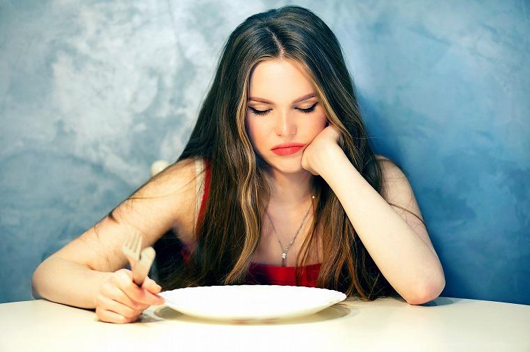 画像: 空腹はダイエットの敵!夜食は我慢しない方が良い!? - Curebo(キュレボ) 毎日を輝かせたい女性のためのニュースメディア