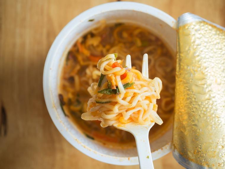 画像: ダイエット中も夜食に「カップラーメン」を食べたい!脂肪になりにくい食べ方 - Curebo(キュレボ) 毎日を輝かせたい女性のためのニュースメディア