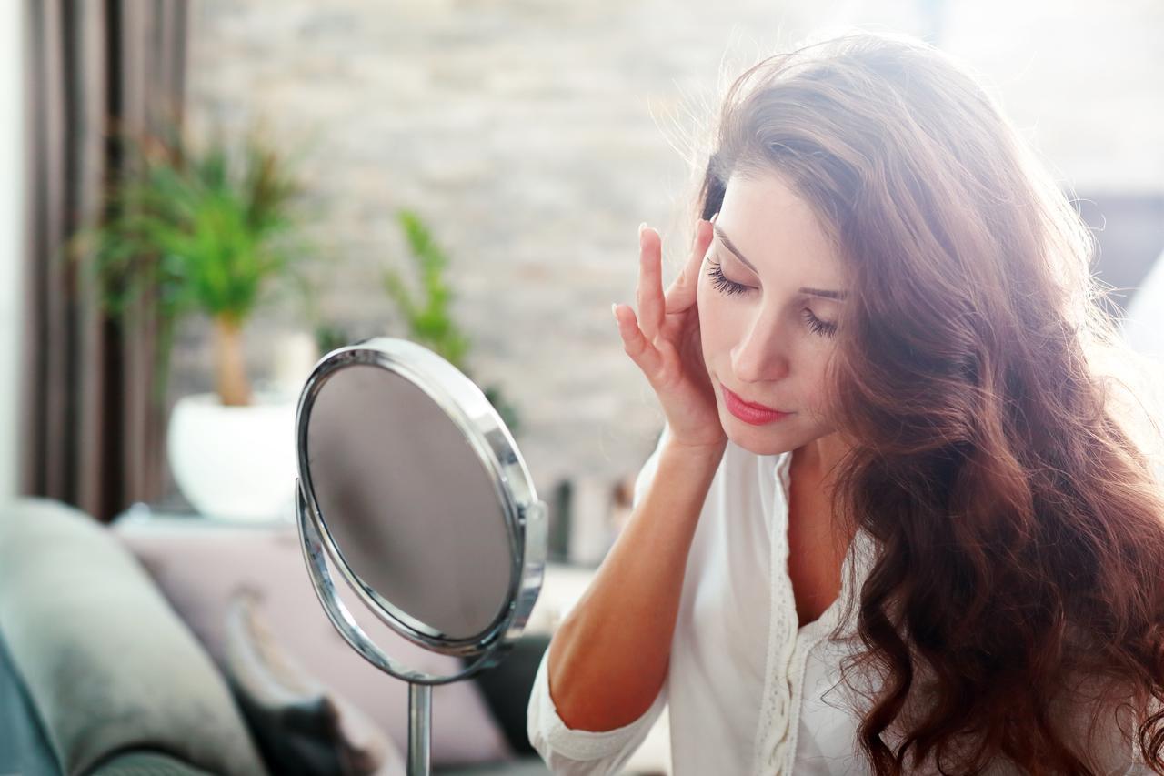 画像: 忙しい朝の肌ケアはこれ!美白成分配合の人気オールインワン3選 - Curebo(キュレボ)|毎日を輝かせたい女性のためのニュースメディア