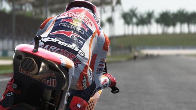 画像: MotoGP™ 2014のレース結果を、細部に至るまで再現した 「リアルイベント・モード」に介入できたり、 歴代のチャンピオンと対戦できるモードがあったりと、 いろいろ楽しめそうな『MotoGP™15』、 発売日は2015年9月17日です。
