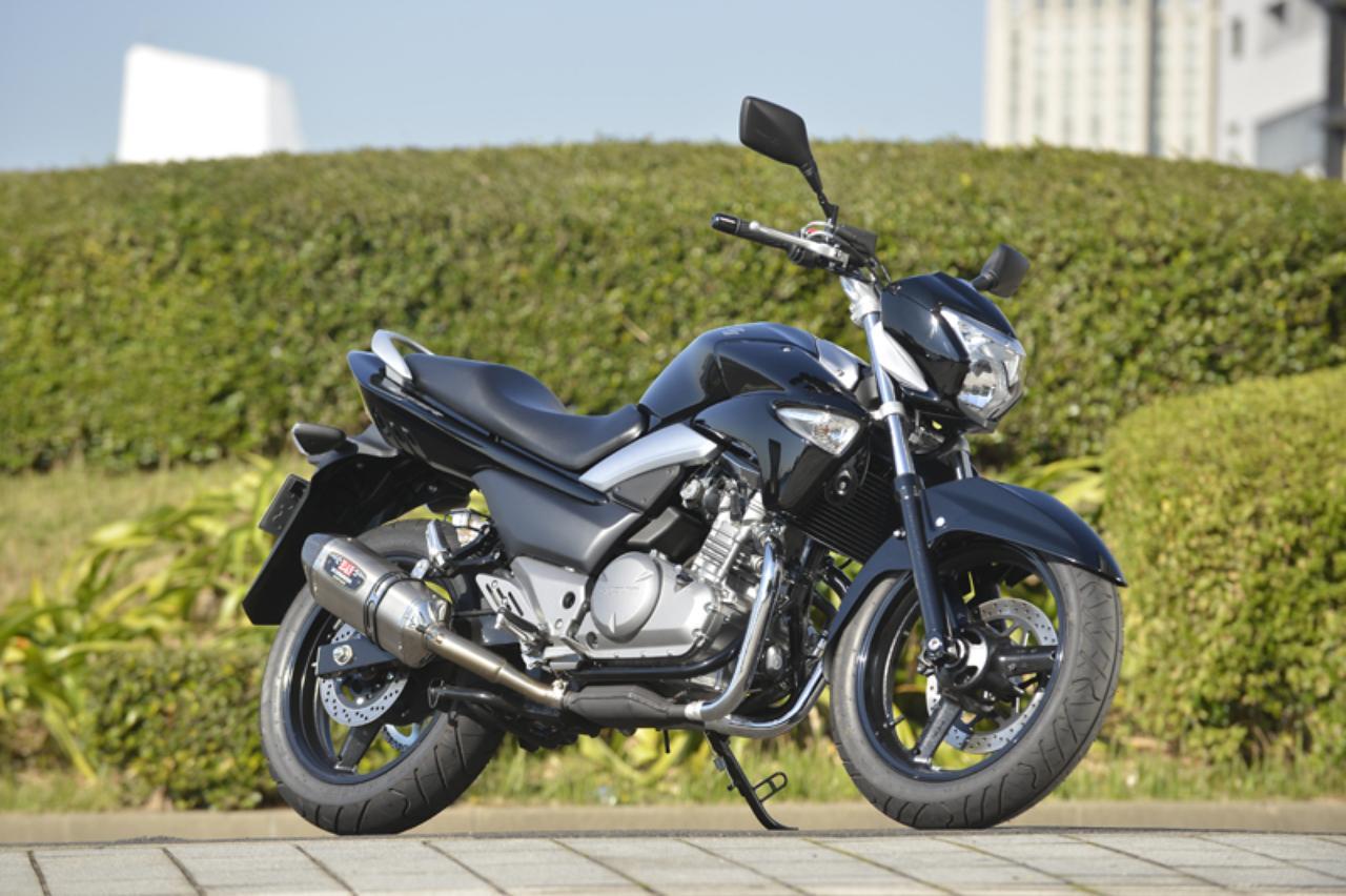 画像: ちなみに、装着しているスリップオンの素材と価格は 「SSC (ステンレスカバー/カーボンエンドタイプ)6万5100円」です。