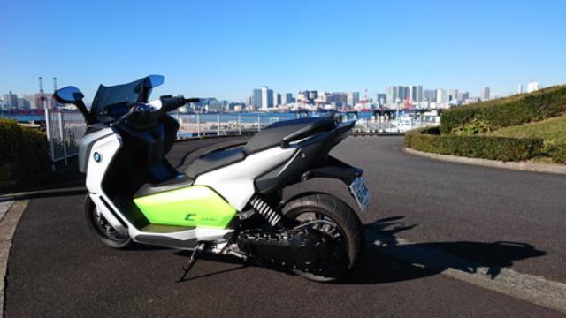 画像1: BMWの電動スクーター「C evolution」に乗ってみました!