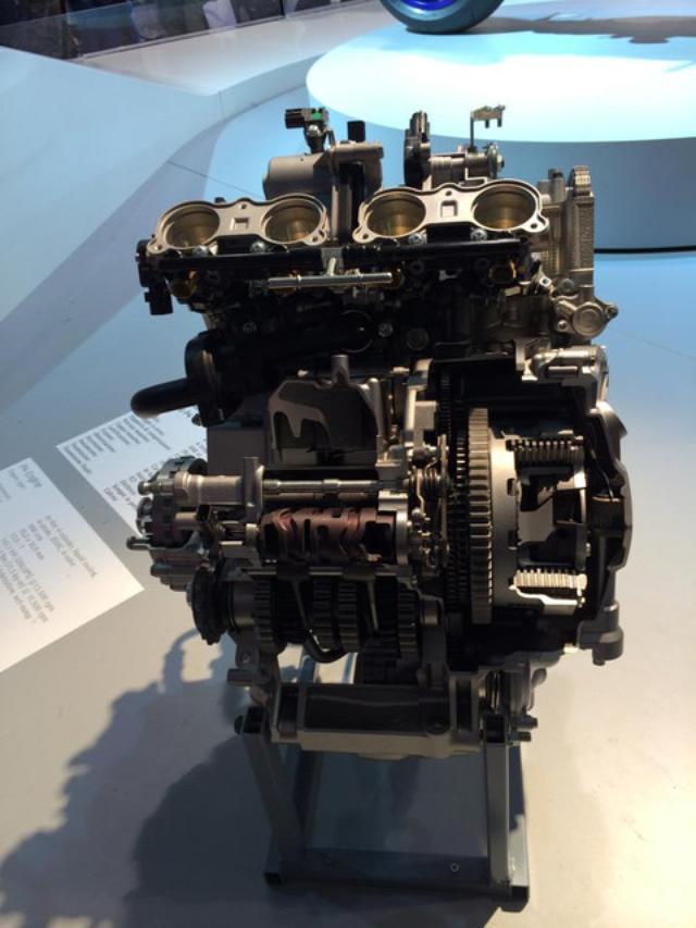 画像: ↑エンジン単品の展示もありました。