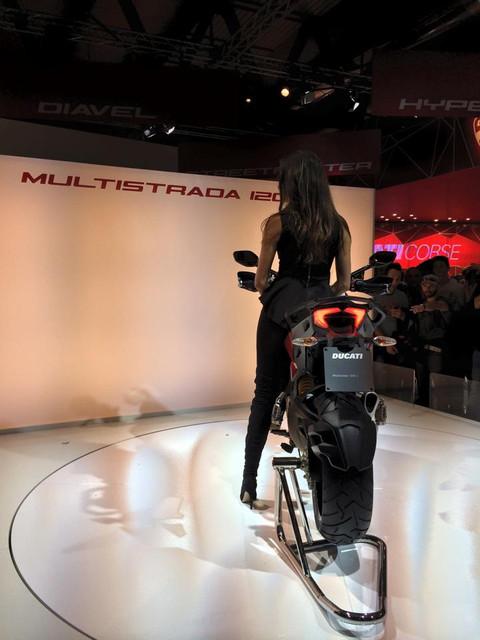 画像2: <理子のミラノショー散歩>ムルティストラーダとか、ディアベル・チタニウムとか!