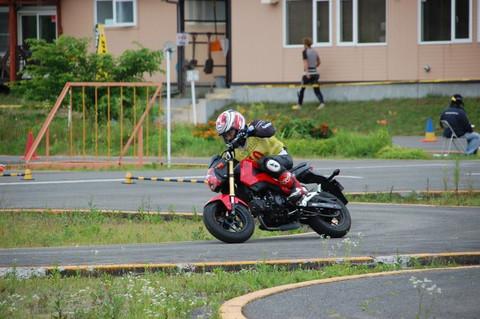 画像: 余談ですがヘルメットは今月買い替えたばかりです。(^^)