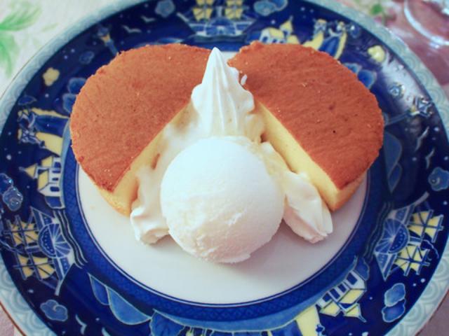 画像: ブルートスプレート(季節のスープ付き)1200円とパンケーキアイス500円。 美味しかったですよ〜
