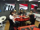 画像: 「IDEMITSU Honda Team Asia」のトレーラー内。 わおー! お料理も素敵♪ 貴重な体験にただひたすら感謝です。