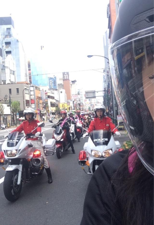 画像9: 女子だけでパレード。(福山理子)