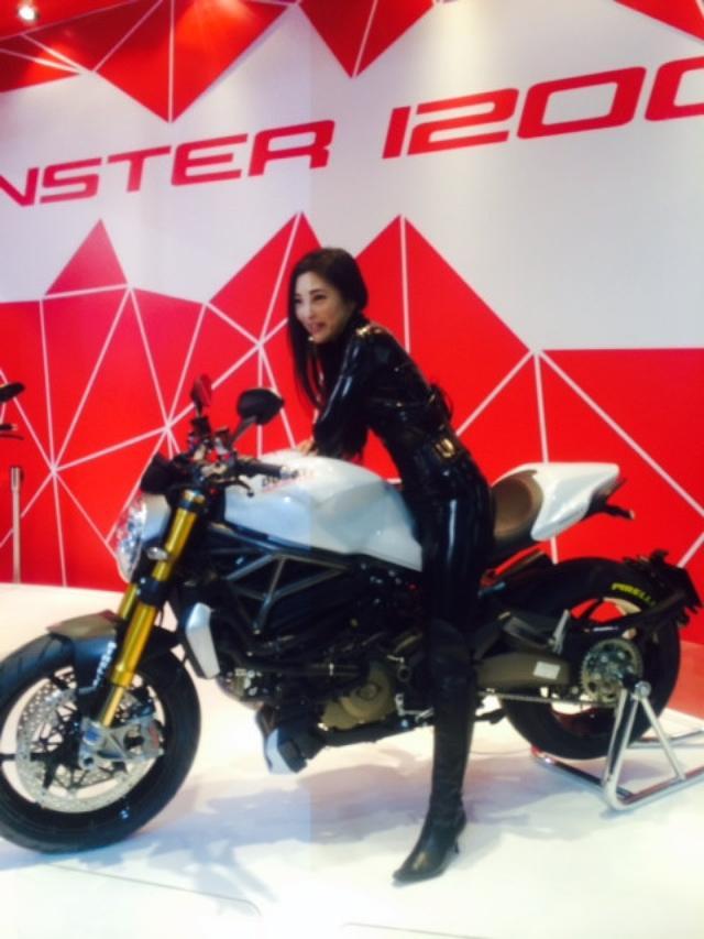 画像8: 大阪モーターサイクルショー2014、たっぷり満喫中!(福山理子)