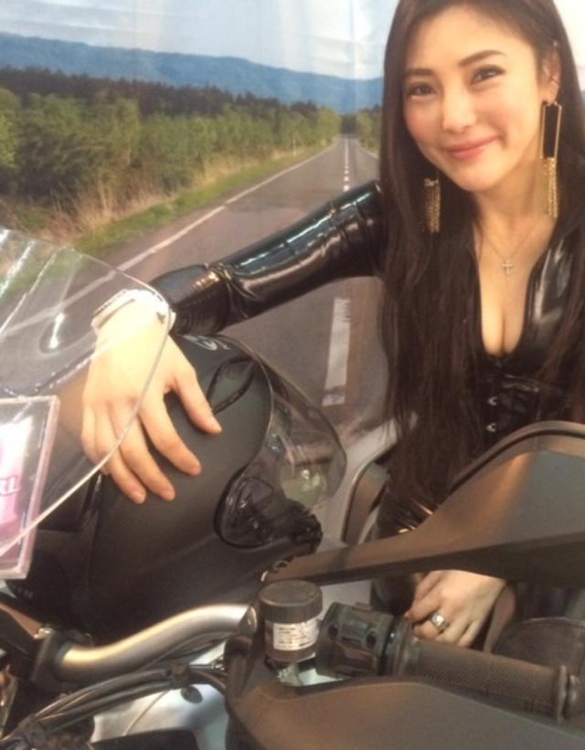 画像1: 大阪モーターサイクルショー2014、たっぷり満喫中!(福山理子)