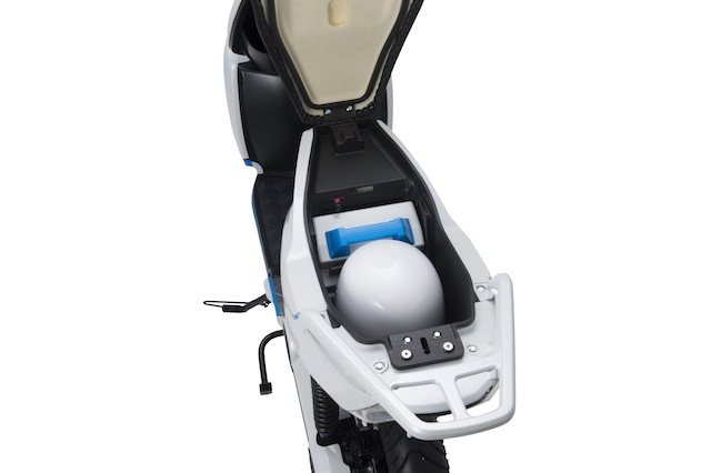 画像5: 世界初! スマートフォン連携機能を備えた電動スクーター「A4000i」をテラモーターズが発表!