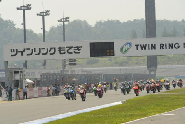 画像: 総エントリー130台のうち、上位80チームが日曜日の7時間耐久にコマを進めます