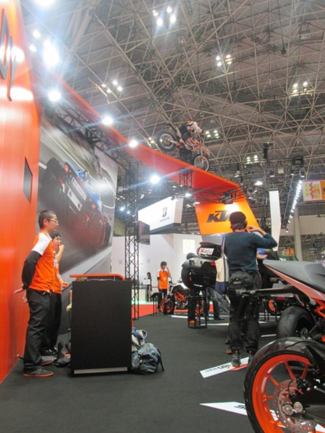 画像1: <理子の東京モーターショー2013見聞録> どうやって遊ぼうかな♪(KTM編)