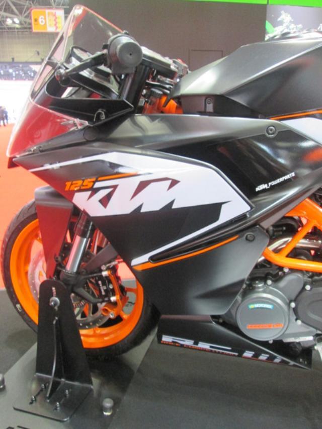 画像6: <理子の東京モーターショー2013見聞録> どうやって遊ぼうかな♪(KTM編)