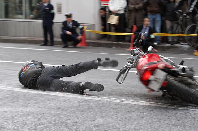 画像1: 渋谷で交通事故を再現! 「交通安全キャンペーン」が実施されました!