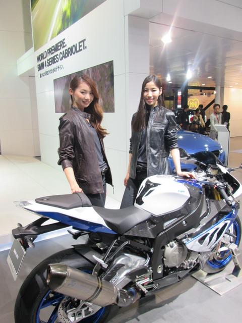 画像1: <理子の東京モーターショー2013見聞録> バイクに革ジャンに女の子 (BMW編)