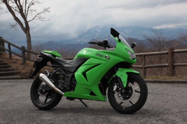 画像: 今回の商品はスリップオンタイプだけど、装着するだけでバイクの質感が大幅アップ。 大人のライダーにおススメです!