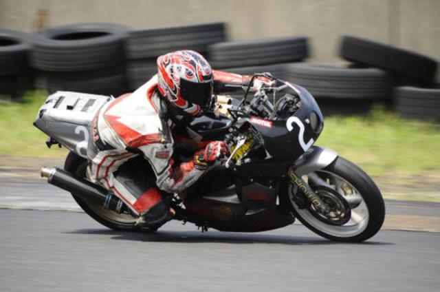 画像: 優勝した#2RAT-KOMAMIのCBR250RR。4気筒250ccの全開音、カッコイー!